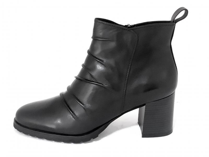 ICB111001 BLACK Scarpa donna Cinzia Soft tronchetto tacco pieghe pelle nero